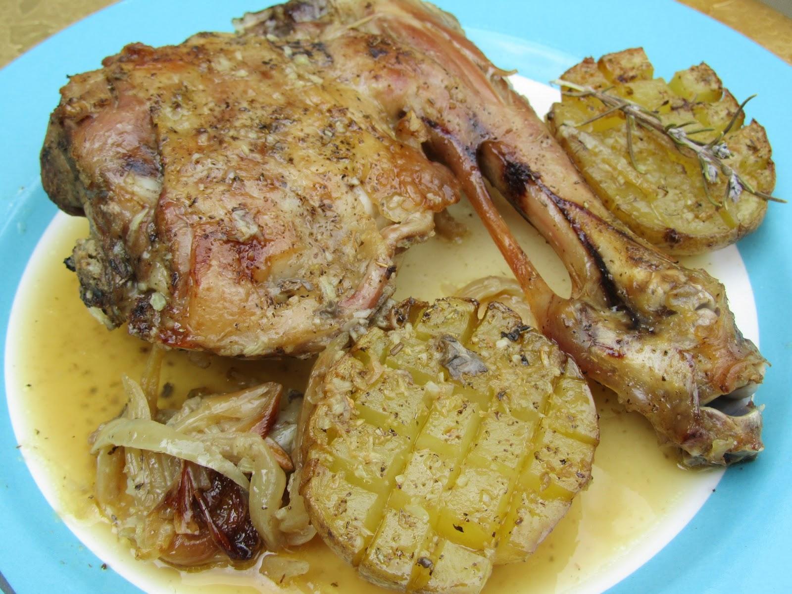 Cordero asado con patatas