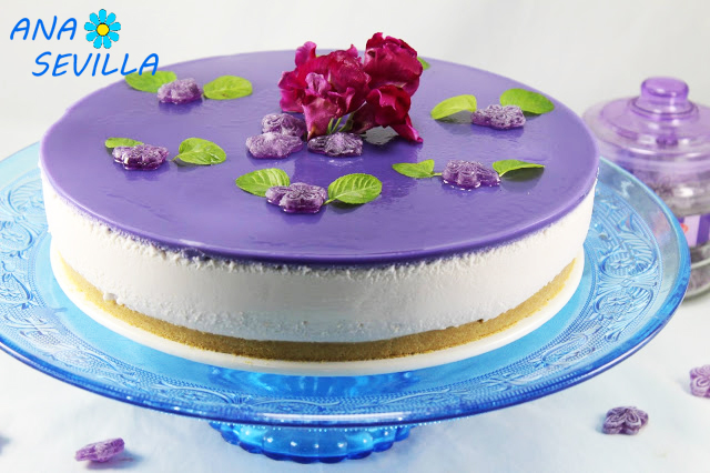 Tarta de caramelos violeta
