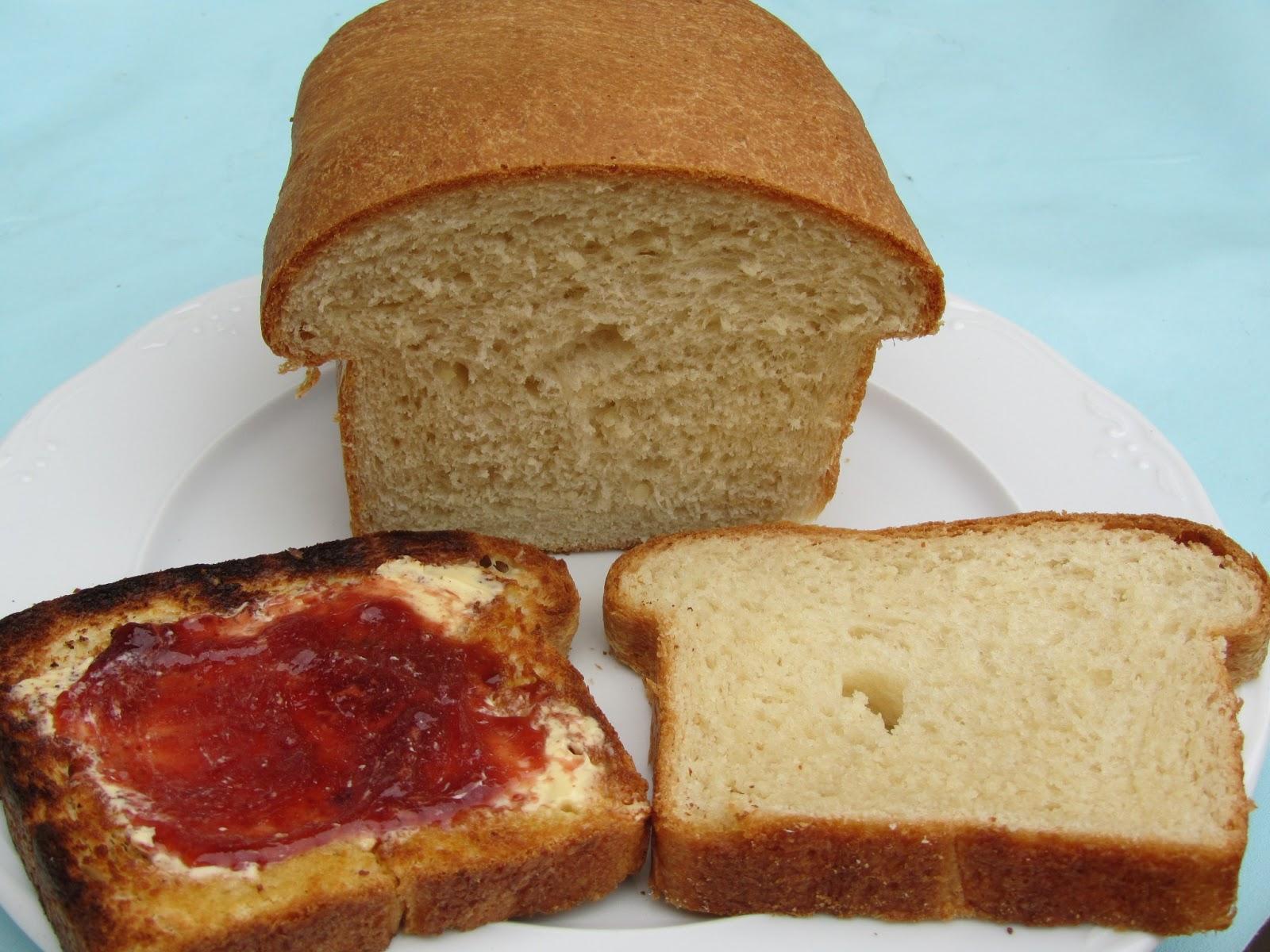 Pan de leche de almendras