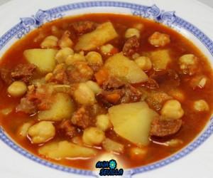 Potaje de garbanzos con patatas