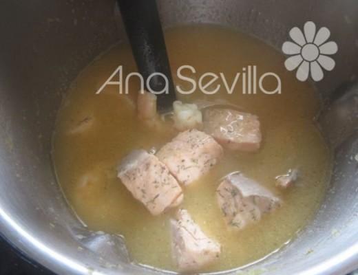 Guiso de fideos con salmón Mambo