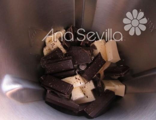 Fundir el chocolate con la mantequilla