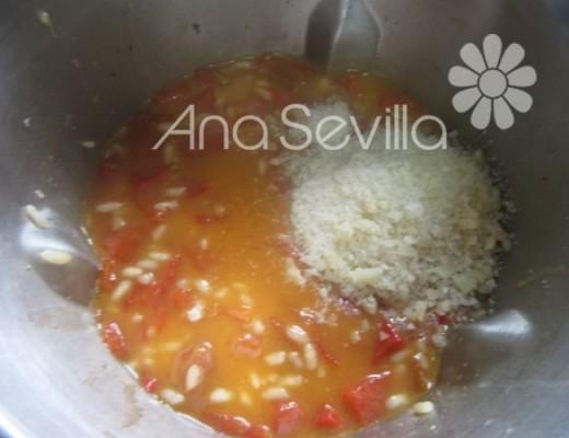 Añadir el queso rallado