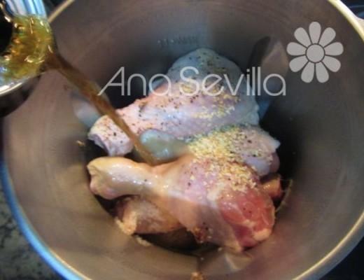 Añadir el pollo y coca cola