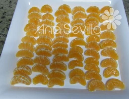 Congelar las mandarinas en gajos bien limpitas