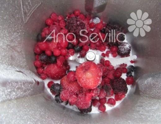 Triturar los frutos rojos
