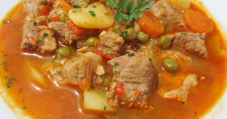 Estofado de cerdo con verduras
