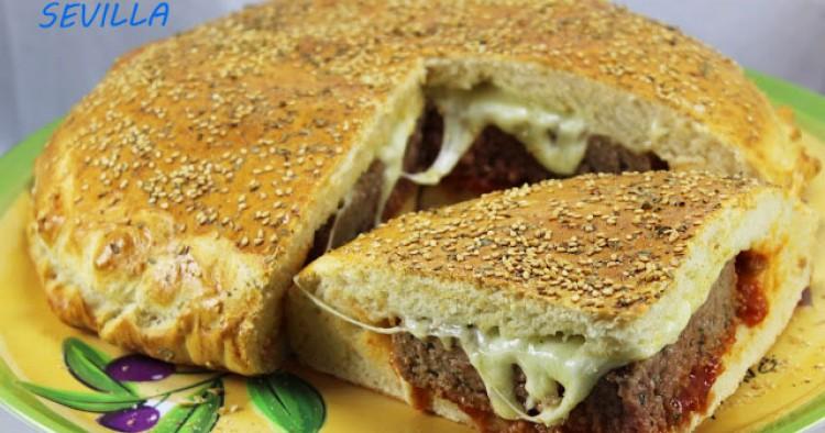 Pan relleno de hamburguesa