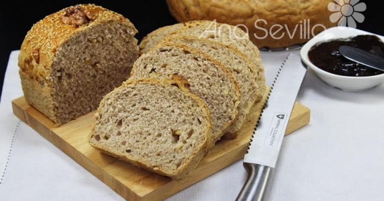 Pan de molde de cerveza y nueces