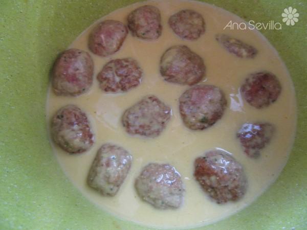 Albóndigas en salsa de piñones olla GM