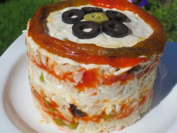 Pastel de ensalada de arroz Ana Sevilla con olla GM