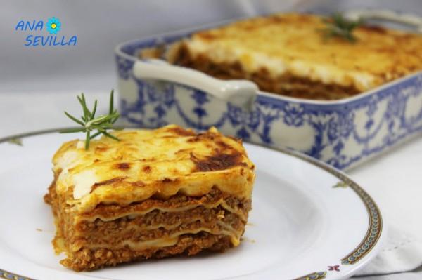 Lasaña a la boloñesa cocina tradicional Ana Sevilla