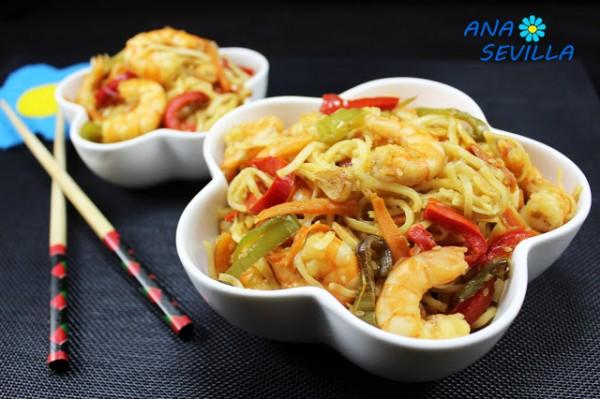 Noodles con verdura y langostinos olla GM