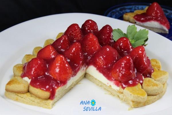 Tarta de galleta, nata y fresas Ana Sevilla cocina tradicional