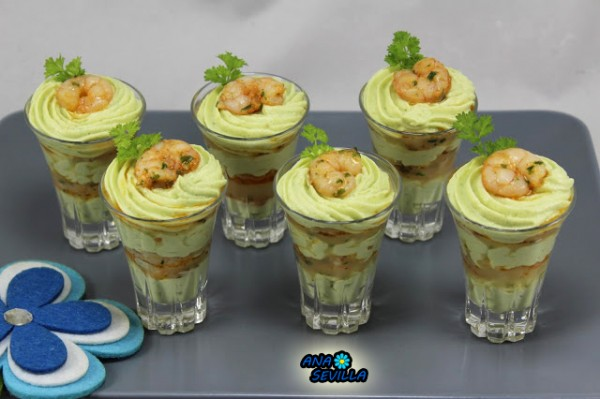 Chupitos de Crema de aguacate y gambas Ana Sevilla Cocina tradicional