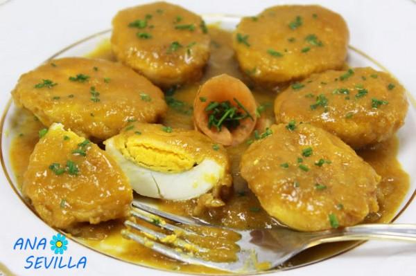 Huevos en salsa española trozo olla GM