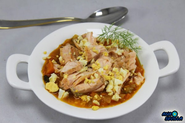 Cazuela de salmón y verdura Ana Sevilla cocina tradicional