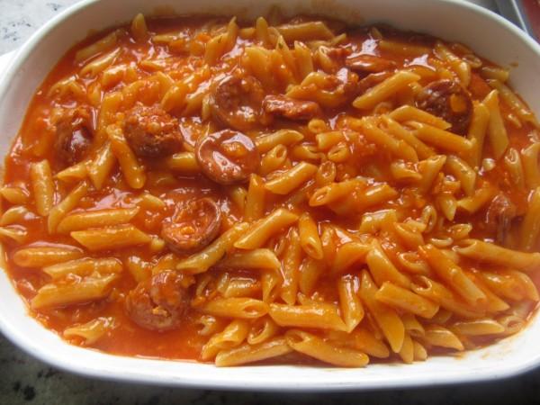 Macarrones con tomate y chorizo con Thermomix
