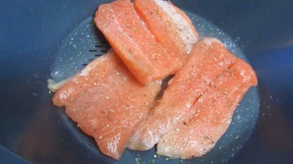 Pasta con salmón y langostinos Thermomix