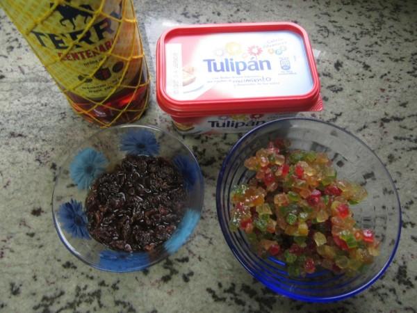 Plum-cake de frutas escarchadas con Thermomix.