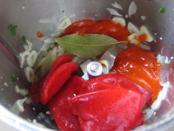 Merluza en salsa de piquillos con Thermomix