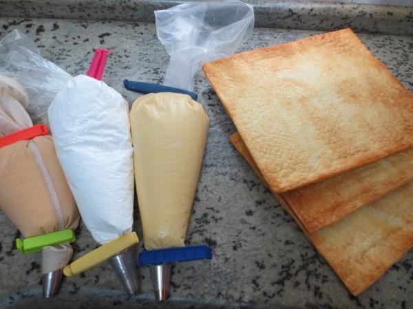 Milhojas de crema, merengue y yema Thermomix