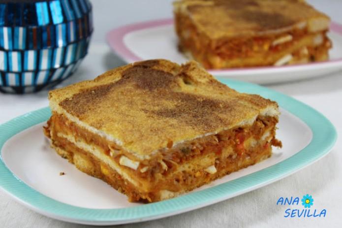 Sandwich de atún y tomate